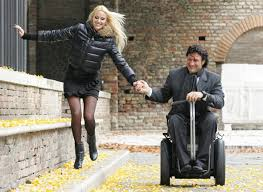 silla de ruedas eléctrica con batería eficiente y de carga rápida. Genny mobility la mejor silla de ruedas diseñada hasta ahora